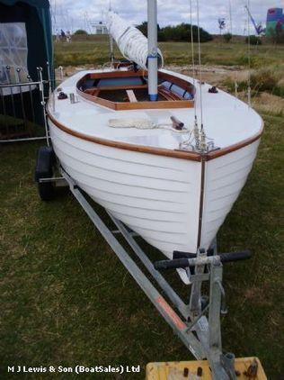 sailing dinghy, 14ft GRP Jewel