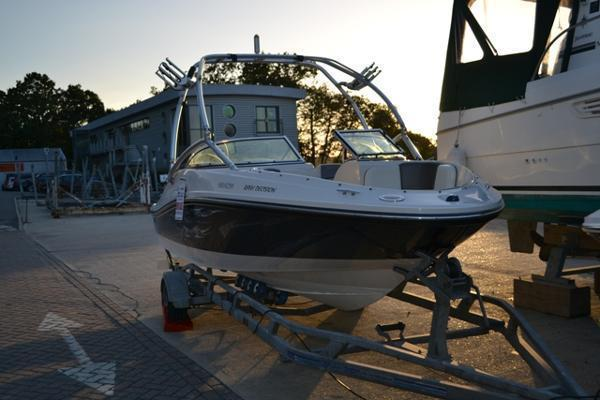 Sea Ray - 185 Sport