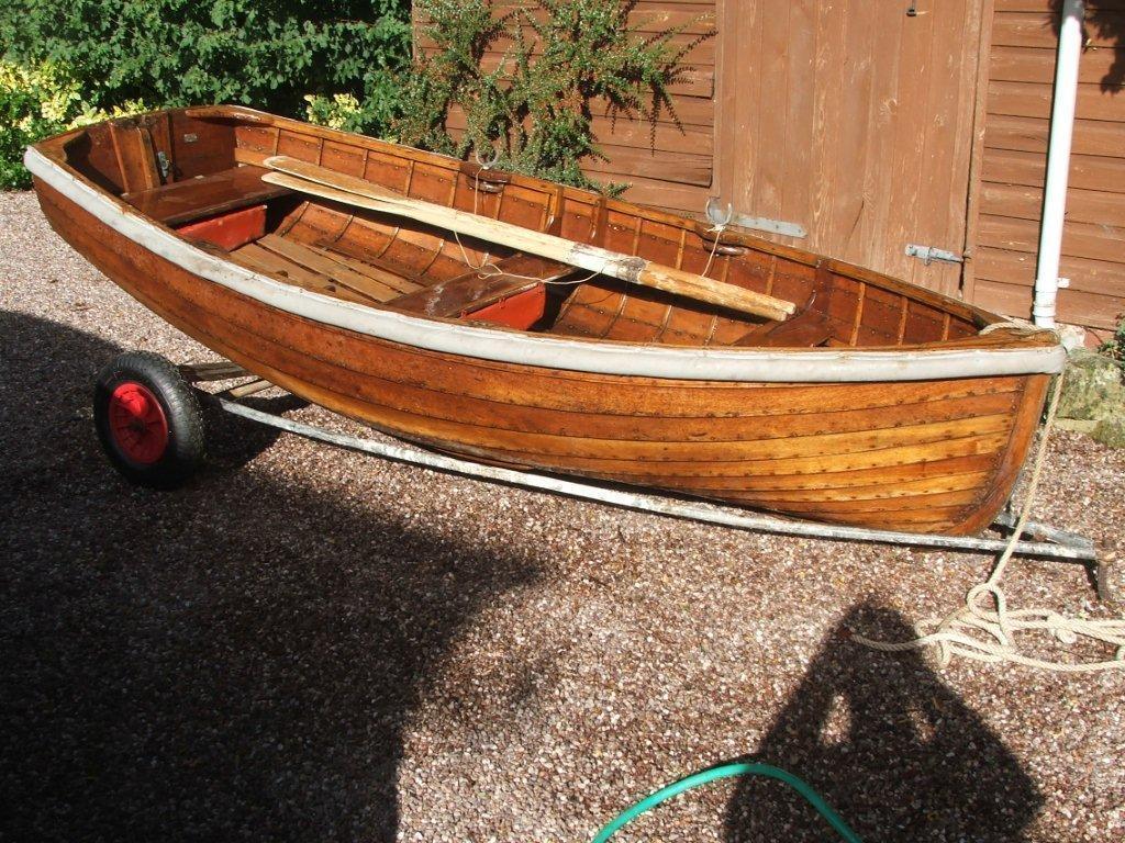 Varnished Clinker Rowing Dinghy - Brick7 Boats