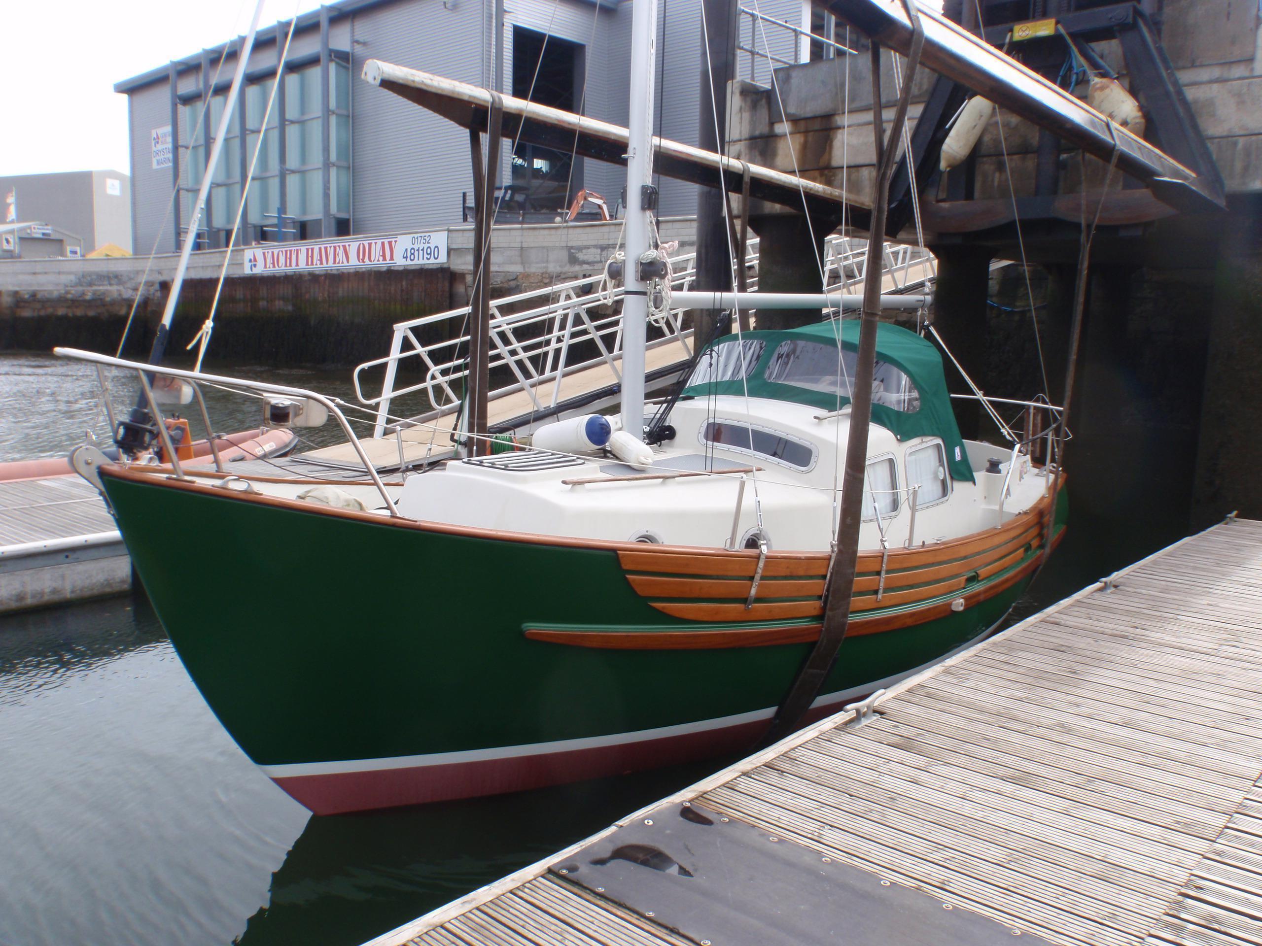Fisher 25 - Brick7 Boats