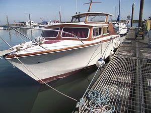 Osborne 26 Motor Yacht, Titchmarsh Marina, Essex