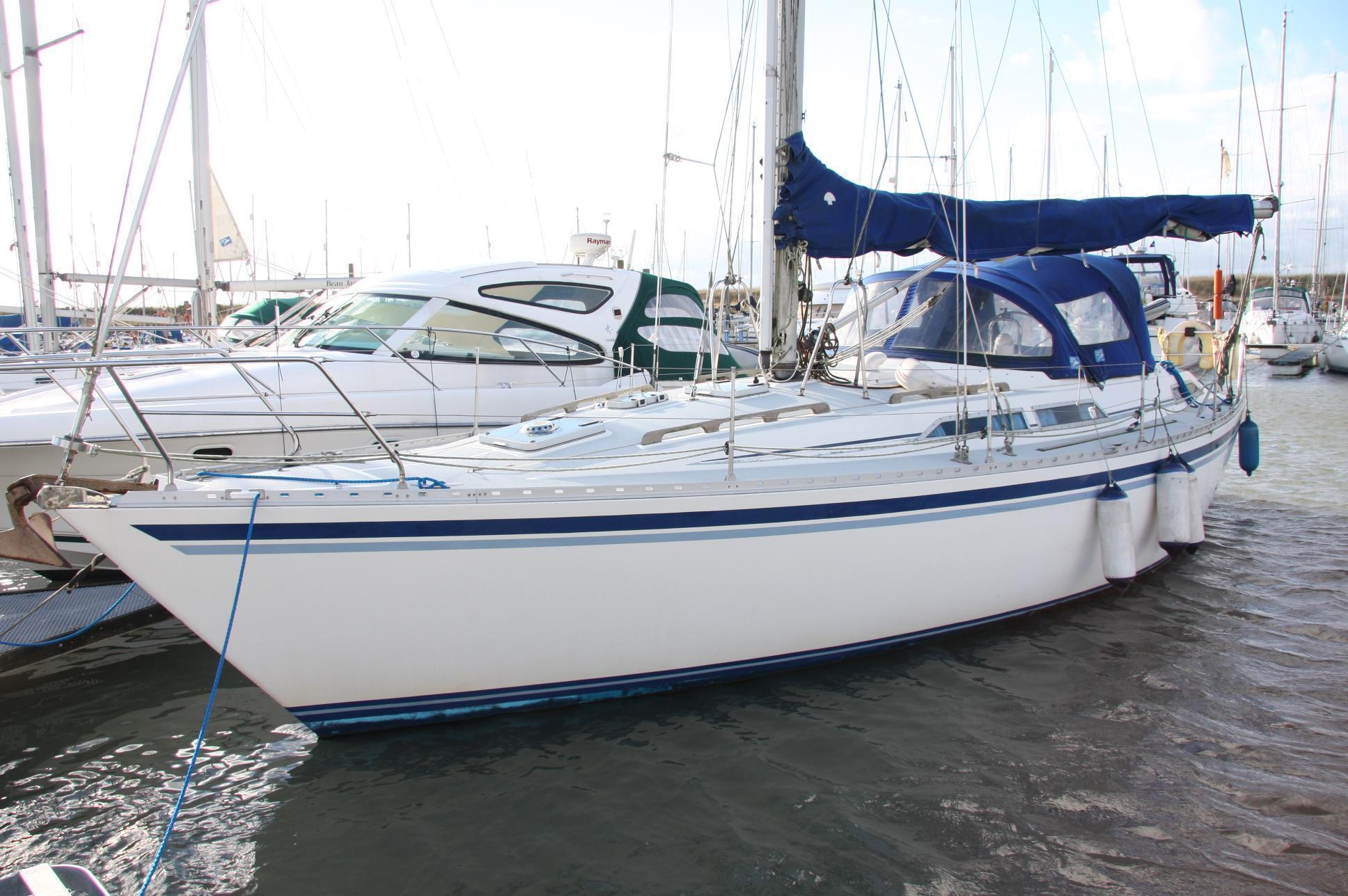Moody 37, Titchmarsh Marina, Essex