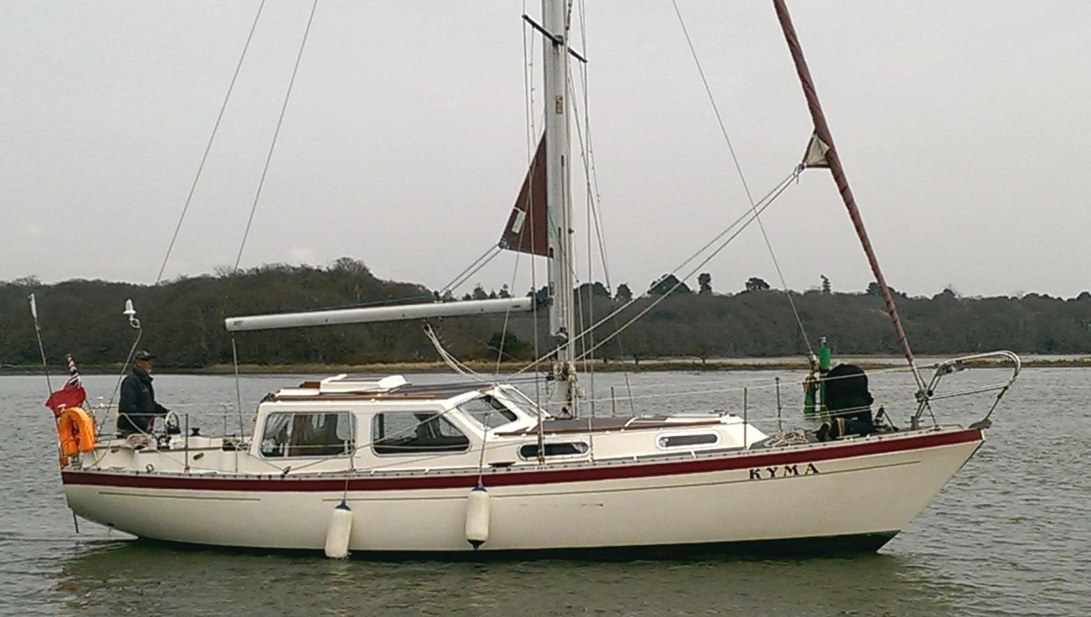 Trident Voyager 35, Hampshire