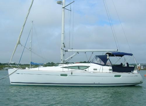 Jeanneau 42 DS, Ashore at Hythe Marina, Hampshire