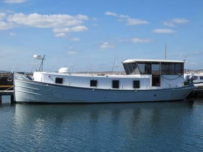 Branson Boats Luxe Motor 40, South Devon
