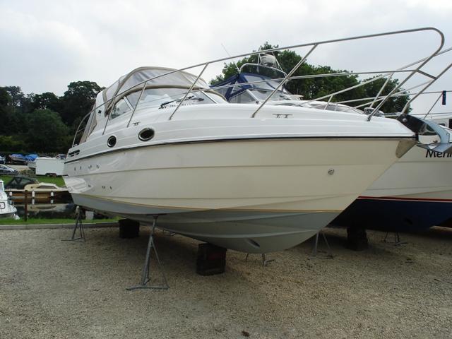 Falcon 29 sports boat, Berkshire