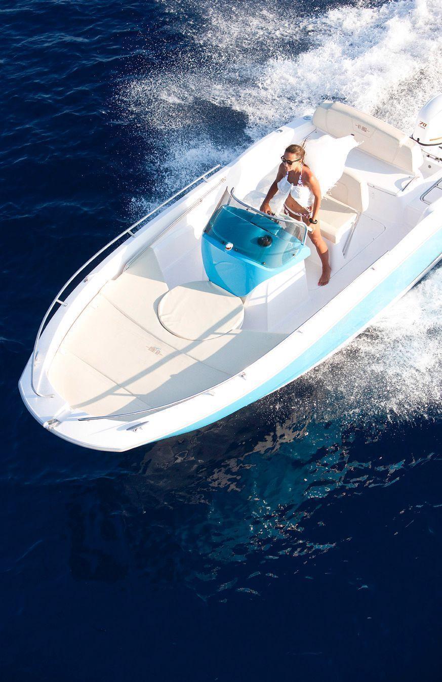 sessa key largo one brick7 boats. Black Bedroom Furniture Sets. Home Design Ideas