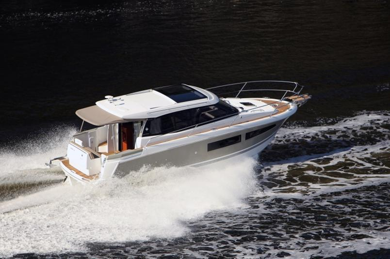 Jeanneau NC9 with extras, River Thames, Shepperton