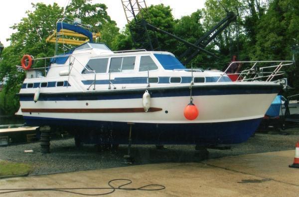 Aquastar 33 Ocean Ranger