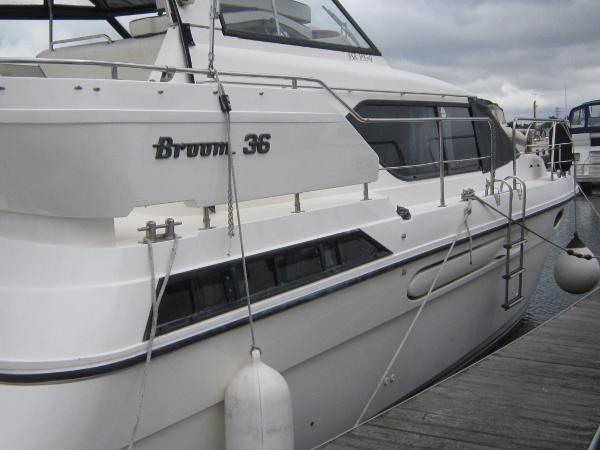 Broom 36